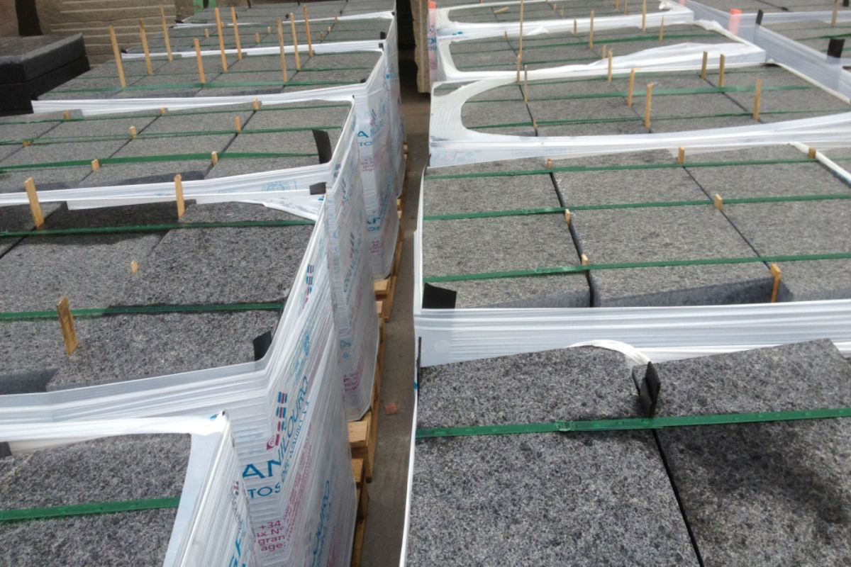 Palets con baldosa para pavimentación