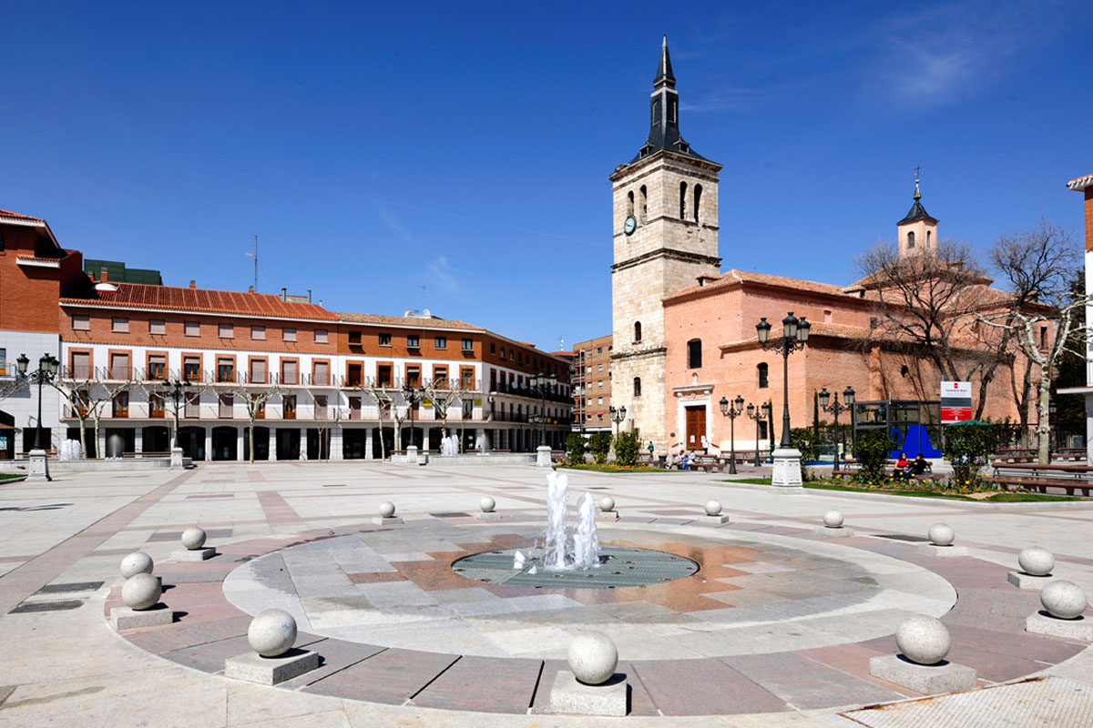 Plaza mayor torrej n de ardoz granilouro for Trasteros en torrejon de ardoz