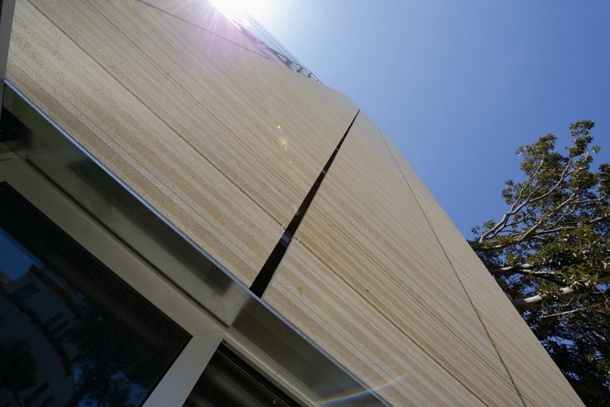 Ostionera Stone ventilated façade.