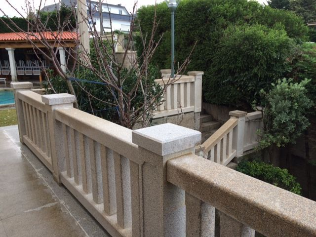Balustrade in Silvestre Moreno granite.