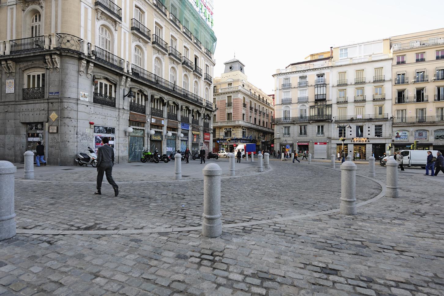 Plaza-Puerta-del-Sol-Madrid-Pavimento