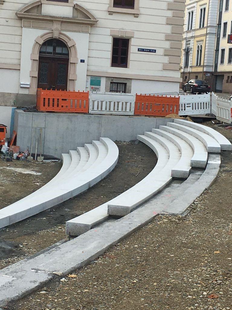 construcción_gradas_granito