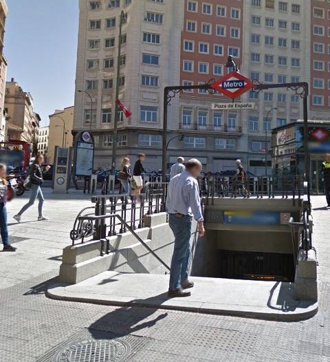 boca_metro_escalonada_estilo_Antonio_Palacio_plaza_España_Madrid